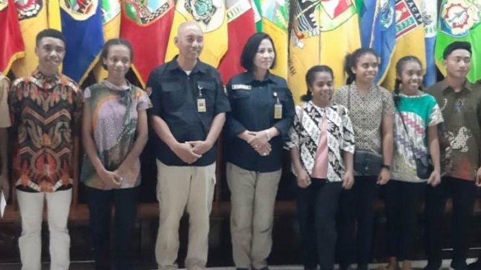 Anderson Siswa Asal Timika Papua Senang Bisa Kembali Belajar di Semarang