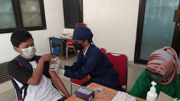 Tersedia 20 Ribu Dosis Sinovac, Vaksinasi Pelajar di Karanganyar Baru Sasar SMP Sederajat