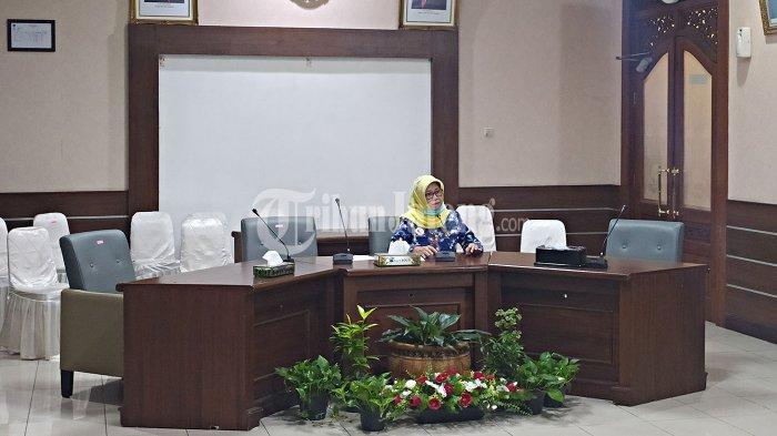 Ibu Rumah Tangga di Solo Positif Corona, Riwayat Pergi ke Yogyakarta Naik Mobil Cuma Mampir Makan
