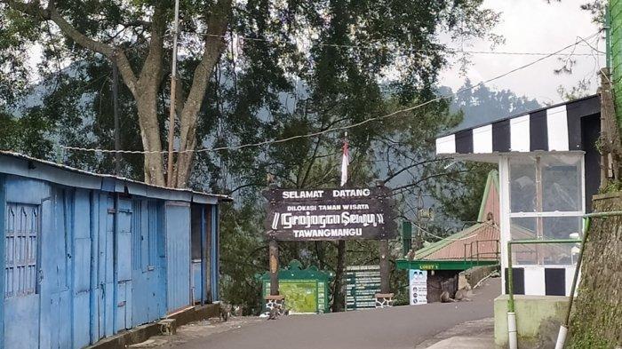 Meski Objek Wisata di Tawangmangu Karanganyar Tutup, Ning Tetap Jualan Keliling