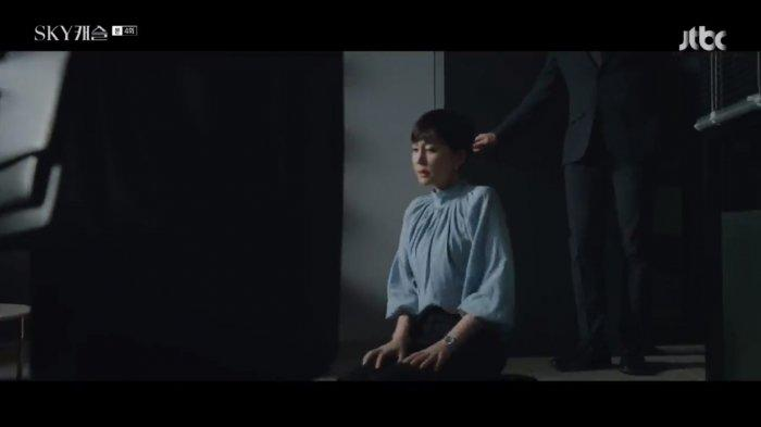 Inilah Sinopsis Sky Castle Episode 4, Seo Jin Berlulut Minta Pelatih Kim Kembali Ajari Ye Seo