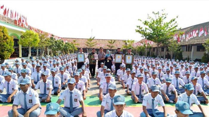 Gerakan Periksa Kerapian SMK Bina Utama Kendal Raih Penghargaan Leprid