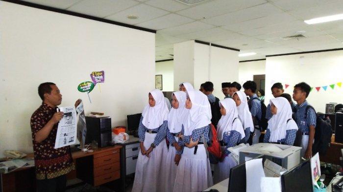 Siswa SMP Negeri 3 Mranggen Kunjungi Kantor Tribun Jateng: Apa Saja yang Bisa Menjadi Berita, Pak? - smp-negeri-3-mranggen-1.jpg
