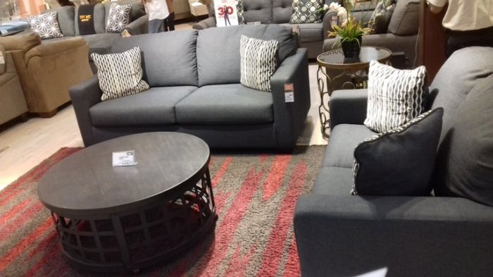 Right Sofa For A Small Living Room, How To Choose The Right Sofa For Small Living Room