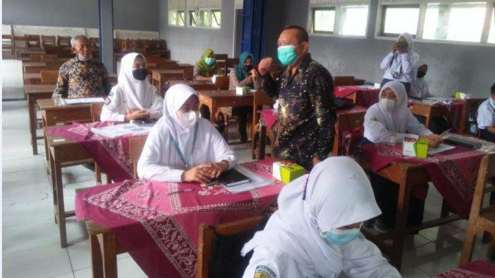Sosialisasi sekolah ramah anak di SMPN 3 Patebon oleh DP2KBP2PA Kendal, Kamis (18/3/2021).