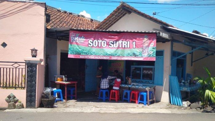 Warung Soto Sutri di Jalan Pramuka Nomor 9, Kecamatan Sokaraja Kabupaten Banyumas.