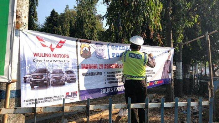 Satlantas Polres Tegal Kota Pasang Spanduk Warna-Warni, Dikaitkan Operasi Patuh Candi