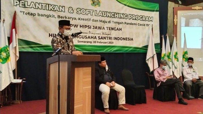 Staf Khusus Menteri Agama RI Wibowo Prasetyo yang hadir mewakili Menag RI saat memberikan arahan dalam acara Pelantikan dan Soft Launching Program, DPW HIPSI Jawa Tengah di Hotel Pandanaran Semarang, Sabtu (20/2/2021).