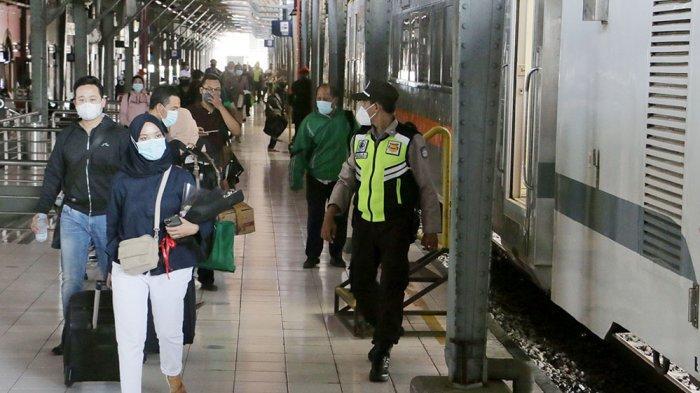 Kondisi Terakhir Mudik Lebaran di Stasiun Tawang Semarang : Nia Sempat Tertahan