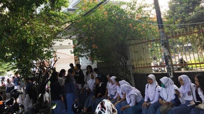 Pengumuman Kelulusan Via Online, Siswa SMAN 1Semarang Tetap ke Sekolah, Alasannya Bikin Sedih
