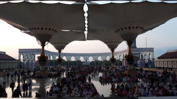 Ribuan Orang Salat Iduladha di MAJT, Kapolda Jateng Bertindak sebagai Khotib