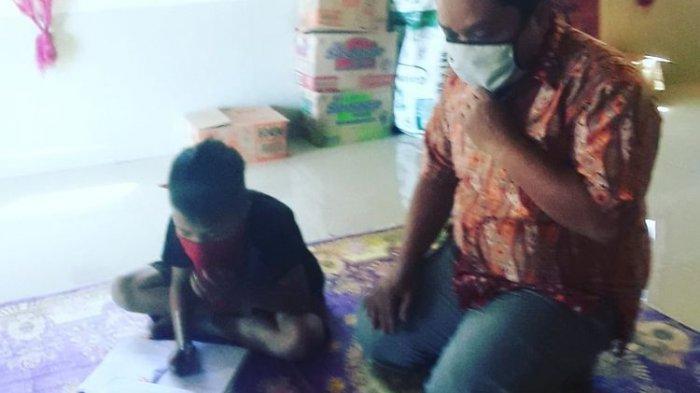 Guru yang Datangi Siswa Satu Persatu: Alhamdulillah Gaji Saya Naik 720 Ribu Per 4 Bulan
