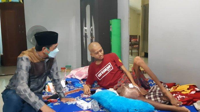 Kondisi Subekti Penyintas Kanker Tulang Kaki, Wabup Batang Beri Semangat Kesembuhan