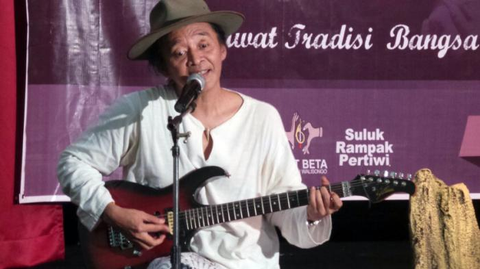Puisi Cinta Tanpa Tanda Sujiwo Tejo