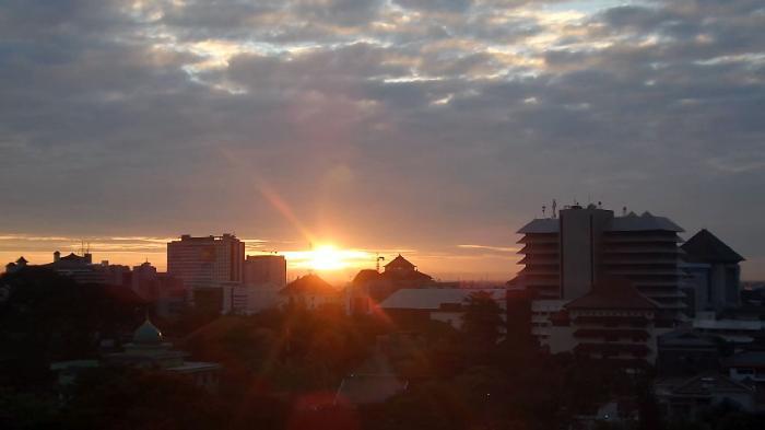 Cerah Sepanjang Hari dan Suhu Naik, Begini Prakiraan Cuaca di Kota Semarang Menurut BMKG Hari Ini