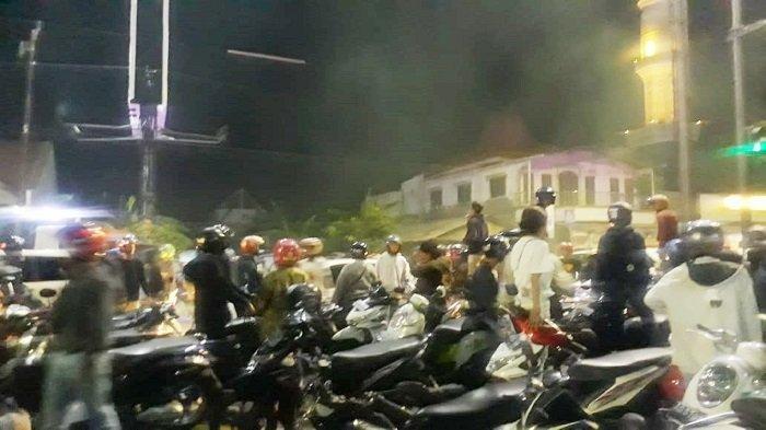 Ratusan Suporter Pasoepati Masih Bertahan di Prambanan, Ingin Kawal Bus Pemain