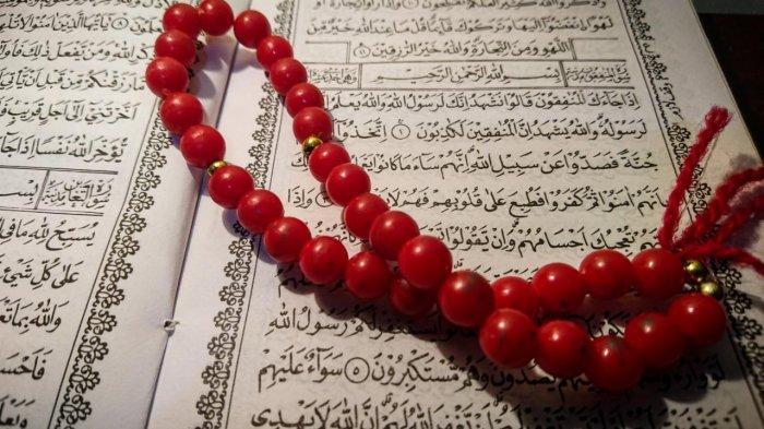 Surat Al Munafiqun Lengkap Arab Latin dan Artinya