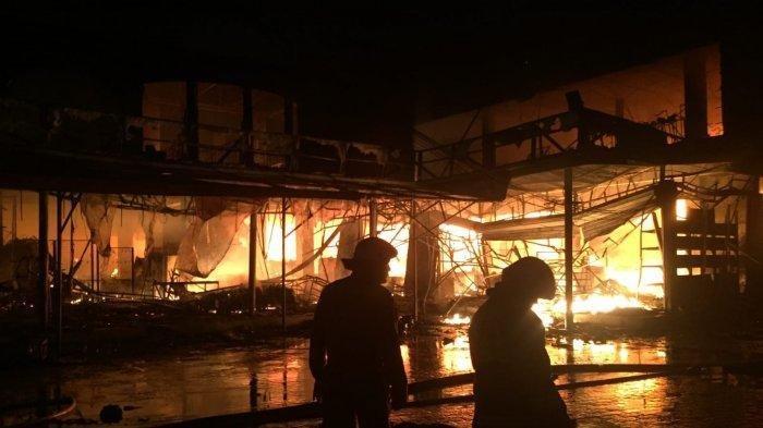 Swalayan di Ragunan Terbakar, Arus Lalu Lintas di Jalan Cilandak Ditutup Sementara