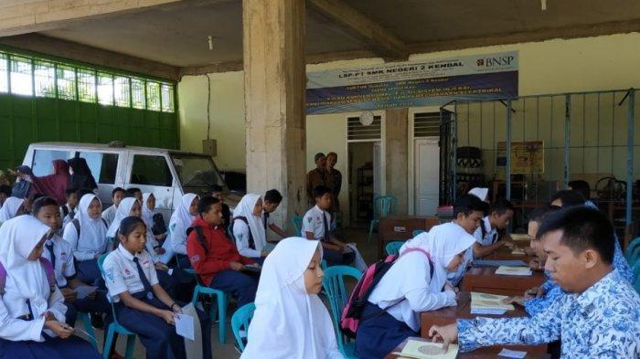 Bukti Data PPDB 2019 di Kendal, Santoso: Lulusan SMP Lebih Berminat ke SMK Daripada SMA