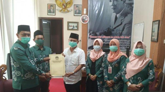 KPU Demak Serahkan Surat Pengusulan Pengesahan Pengangkatan Paslon Terpilih kepada DPRD
