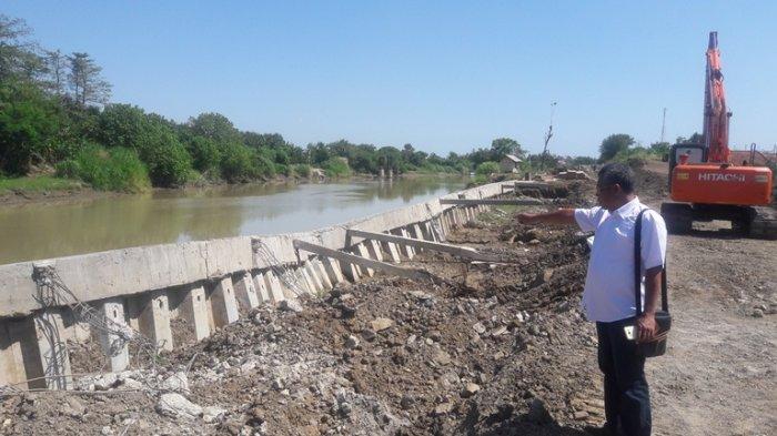 Talut Sungai Pemali Belum Rampung Dibangun tapi Sudah Roboh