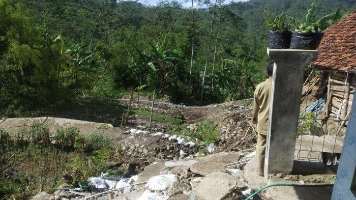 12 Rumah Rusak Akibat Longsor di Banjarnegara, Gedung TK Dikosongkan