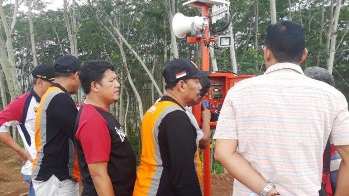 Tanah Menyerupai Bubur Sudah Meluas, Warga Desa Jolosekti Diminta Waspada, BPBD Batang Pasang EWS