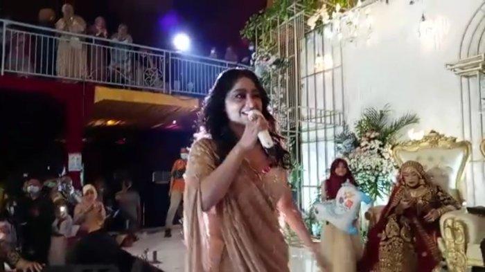 Dewi Perssik Nyanyi 2 Lagu di Acara Sunatan Warga Kudus, Tuan Rumah dan EO Dipanggil Polisi