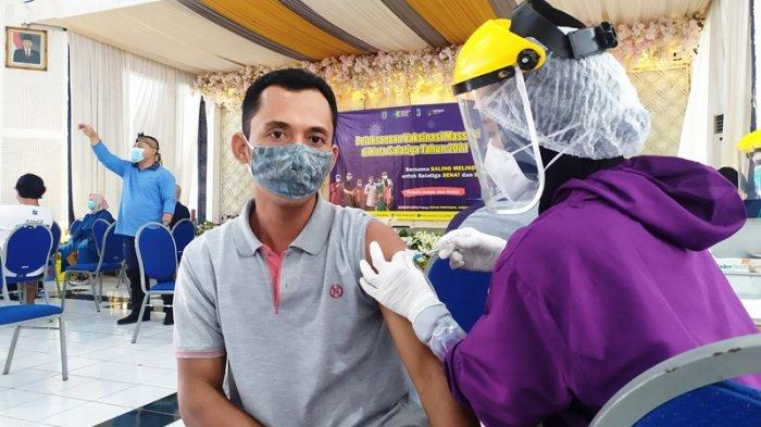 Hotline Semarang : Benarkah Ada Vaksinasi untuk Driver Gojek di Sam Poo Kong