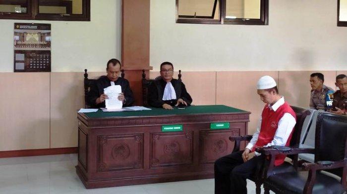 BREAKING NEWS: Terdakwa Kasus Mutilasi di Banyumas Deni Priyanto Divonis Hukuman Mati