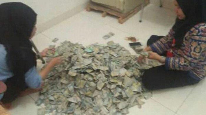 Ibu Ini Bawa Sekarung Uang Pecahan Rp 2.000 untuk Beli Sepeda Motor Baru, Tak Mau Kredit