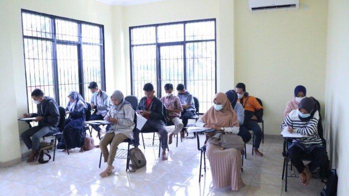 Kembangkan Potensi Pemuda di Batang, Kampung Pusat Bahasa Berikan Kursus Bahasa Asing Gratis
