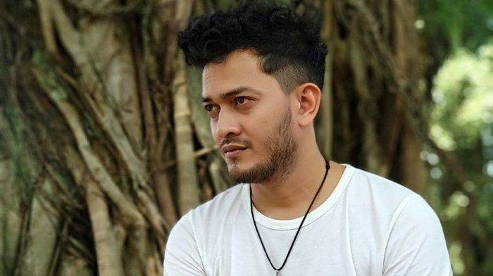 Profil Teuku Dino Pemeran Iqbal, Preman yang Meneror Keluarga Aldebaran dan Alfahri Ikatan Cinta