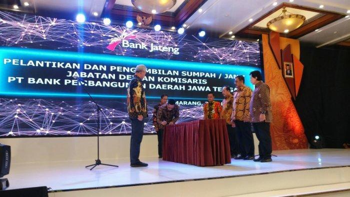 Dewan Komisaris Bank Jateng Dilantik, Ganjar Titip Target Tujuh Persen