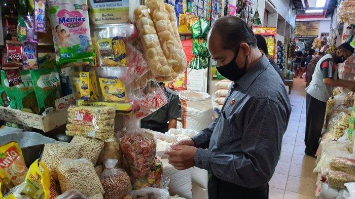 Sidak di Sejumlah Pasar, Tim Gabungan Masih Ditemukan Makanan Kedaluarsa di Banyumas