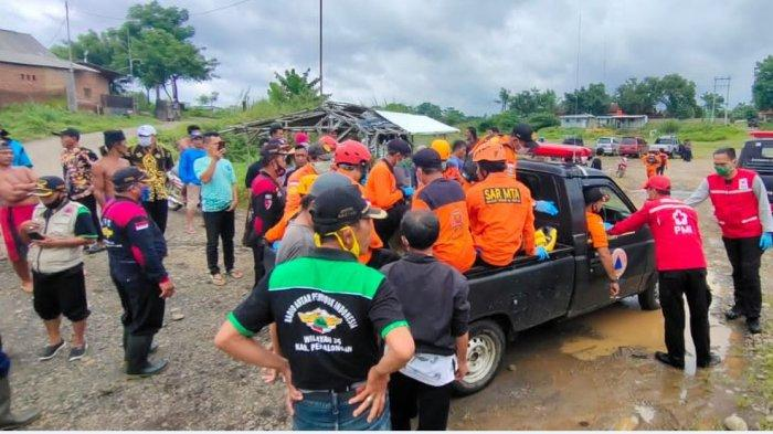 Tim gabungan berhasil menemukan warga Wanayasa, Banjarnegara yang hanyut di Sungai Sengkarang Pekalongan.