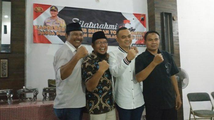 Silaturahmi Pasca Pemilu 2019, Tim Pemenangan 01 dan 02 di Brebes Saling Berangkulan
