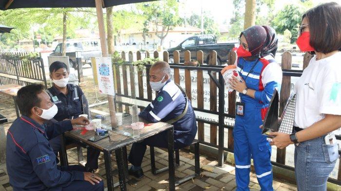 Tim mendatangi smoking area di wilayah Head Office, area 70, Gate 2 dan Gate 3 Kilang Pertamina Cilacap