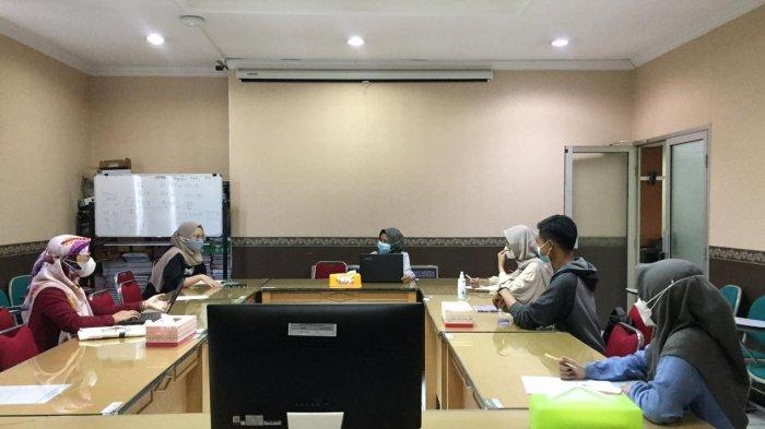Teliti Kecanduan Smartphone, Mahasiswa Psikologi Unissula Semarang Lolos PKM Dikti