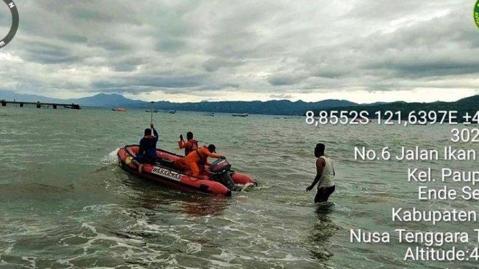 1 Bayi Tewas dalam Kecelakaan Kapal Motor Tenggelam Diterjang Ombak