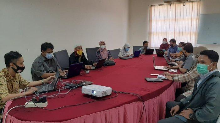 Wakil Rektor 1 dan Tim IT Universitas Ivet Semarang Adakan Pelatihan Pemanfaatan Web Prodi