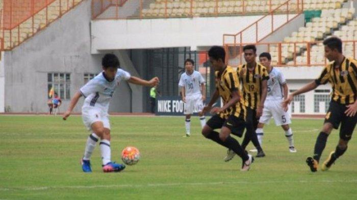 Muda-muda Provokator, Pemain Timnas U-16 Malaysia Pasang Terbalik Bendera Indonesia