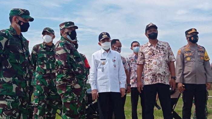 Bupati Pati Haryanto Dampingi Tim Wasev Mabes TNI Tinjau TMMD di Desa Tamansari