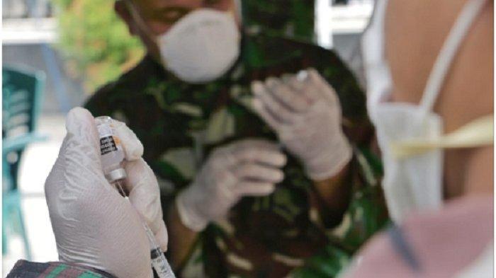 TNI Angkatan Laut gelar serbuan vaksinasi di  Karimunjawa