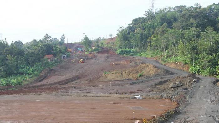 Warga Kendal Terdampak Tol Minta Ganti Harga Tanah di Atas Rp 400 Ribu per Meter. Ini Alasannya