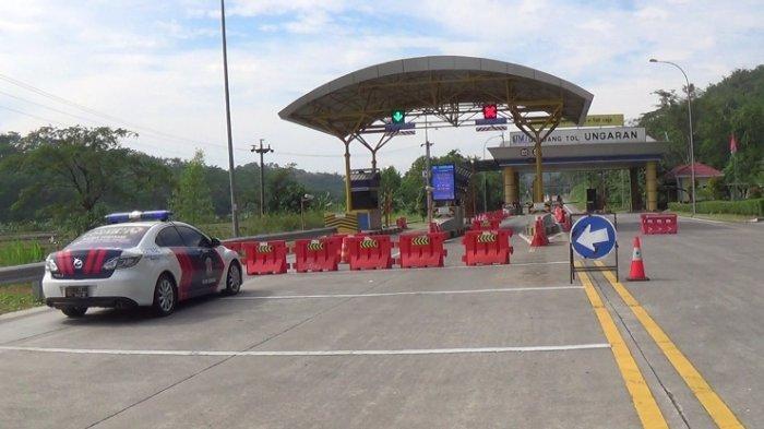 Exit Tol Ungaran Ditutup, Kapolres Semarang Imbau Warga di Rumah Saja
