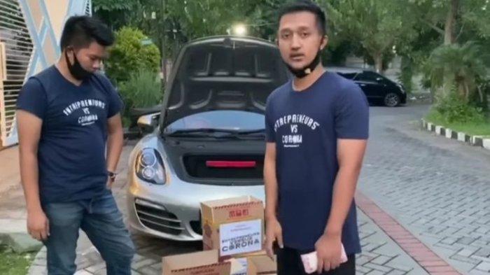 Tom Liwafa Crazy Rich Surabaya Berkeliling Kota Bagikan Uang dalam Kardus untuk Korban Virus Corona
