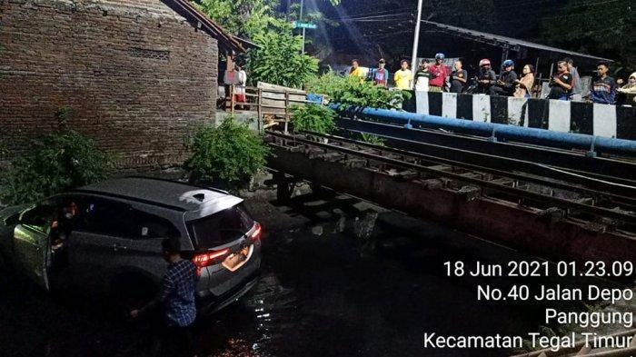 Kurniawan Pilih Ceburkan Mobil ke Sungai Kota Tegal, Ketimbang Ada Nyawa Melayang