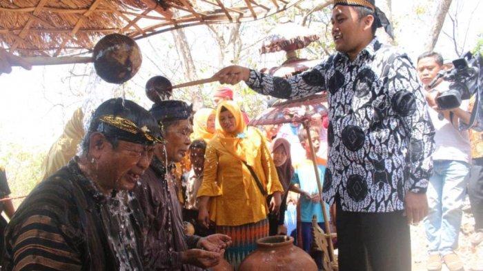 Mengenal Tradisi Barikan di Gunung Nyapah Brebes, Ritual Doa Warga Minta Hujan Kala Musim Kemarau
