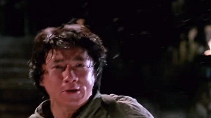 Sinopsis Armor of God MNCTV Malam Ini Pukul 22.30 WIB Jackie Chan Runtuhkan Biara Sekte Jahat